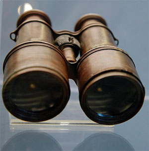 binoculars-recovered-titanic