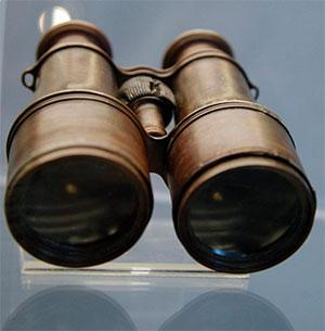 binoculars-recovered-titanic